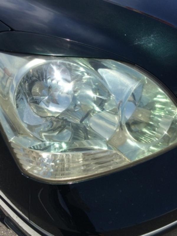 最近の車のヘッドライト